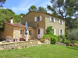 Peaceful Mansion with Swimming Pool at Fayence