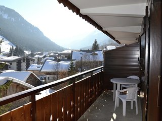 Apartment with balcony located near the ski lifts