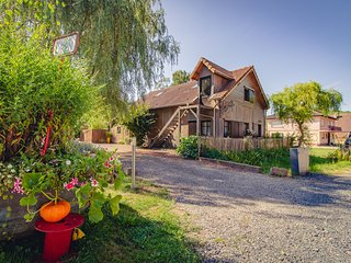 Cozy Chalet in Saint-Quirin with Private Garden