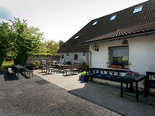 Attractive and luxuriously furnished characteristic farm in South Limburg.