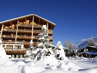 Luxury apartment with balcony in beautiful Les Deux Alpes