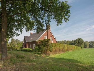 Luxurious holiday home with wellness, in the middle of the North Brabant nature