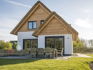Luxurious villa for 8 people in De Cocksdorp, on the  island of Texel