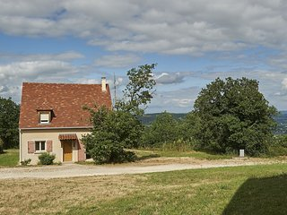 Cozy holiday home with a dishwasher, not far from Sarlat