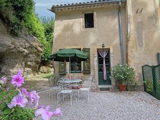 A fully restored attached gîte decorated with much taste