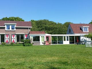 Beautiful holiday home with conservatory near the North Sea