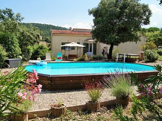 Detached, cozy holiday home with cabanon and private pool, in beautiful nature