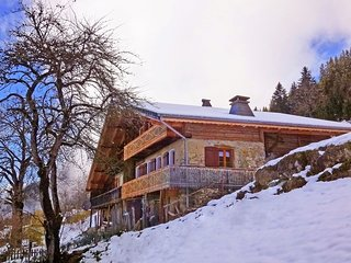 Beautiful cottage dating from 1789 just 600 m from the Barbossine chairlift