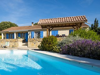 Luxury villa: with air conditioning heatable pool at the highest point of the vi