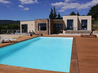 Spacious Villa with Swimming Pool in Vagnas