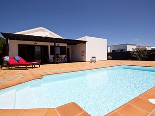 Very centrally located, detached villa with private swimming pool in Lanzarote