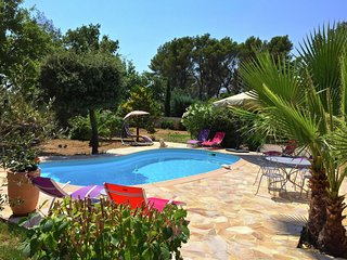 Country-style villa with private pool, walking distance from Flayosc