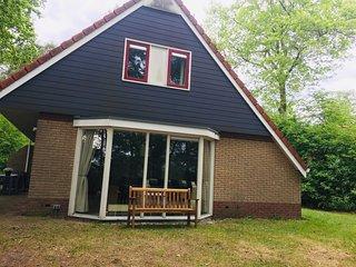 Nice holiday home with spacious garden, near De Lemelerberg