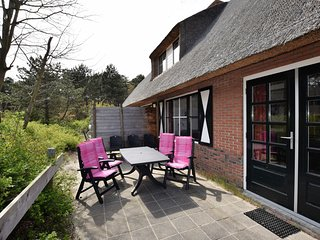 Cozy Holiday Home in Vlieland Frisian with Forest nearby