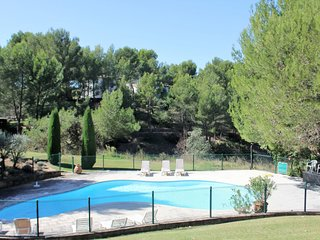 Beautiful holiday home on golf domain le Pont Royal with 18-hole golf course and