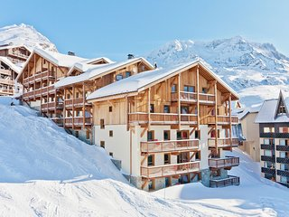 Luxury apartment on the slopes in bustling Val Thorens