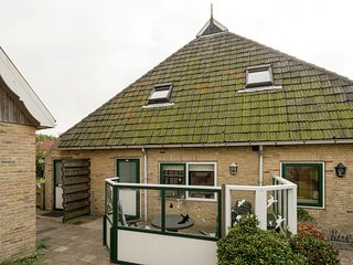 Quaint Apartment in Oosterend Terschelling near the Sea