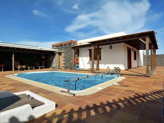 Villa with private pool in the center of Lanzarote, perfect for day trips