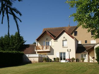 Spacious Holiday Home in Faverolles with a Swimming Pool