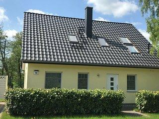 Quaint Cottage in Steffenshagen near the Sea