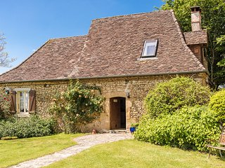 Pleasant farmhouse with private swimming pool, large garden, playground and beau