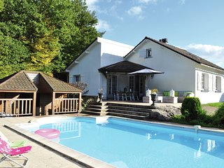 Wonderful holiday home with private swimming pool and terraces near Dun-les-Plac