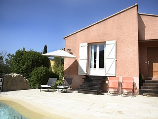 Stylish Holiday Home in Montfort-sur-Argens with private Swimming pool