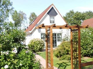 Detached holiday home for 6 people close to the Veerse Meer and marina