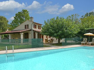 Child-friendly villa with private swimming pool walking distance from Callas