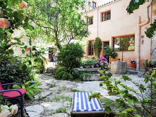 Great romantic village house in the center of Felanitx and not far from the sea