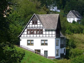 Spacious 16 person holiday house near Winterberg with a beautiful view.