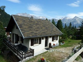 Cozy Chalet near Ski Lift in Modane France