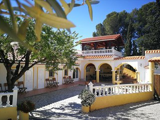 Finca Bilou has five double rooms, a swimming pool & large terraces
