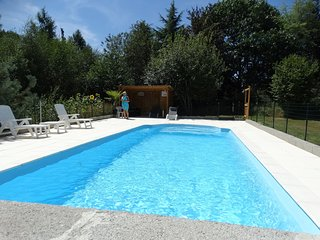 Charming Holiday Home with Swimming Pool in Teilhet