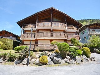 Apartment for 4 people, with balcony to the east, in Morzine