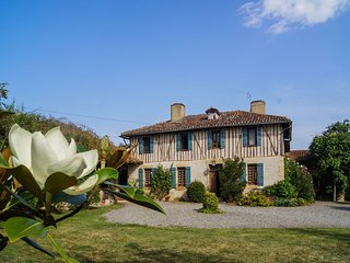 Beautifully renovated and authentic Gascogne villa with private pool.