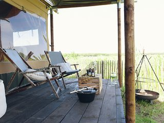 Wonderful Beach lodge for 8 people near beach, sea and the village of Callantsoo
