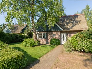 Spacious thatched villa with dishwasher, in a national park
