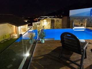 Spacious Holiday Home in Poio Galicia with Swimming Pool