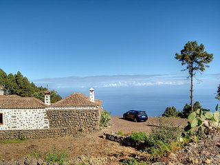 Authentic holiday home full of character, with lots of privacy and stunning view