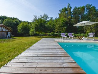 Cozy Cottage in Sainte-Eulalie-en-Born with Pool, 10min from the beach.