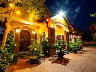 Dinh Villa
