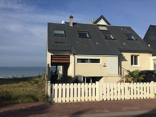 Sea-facing Apartment In Agon-Coutainville with Terrace