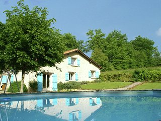 Tastefully decorated house in quiet surroundings of Manzac-sur-Vern (3 km)