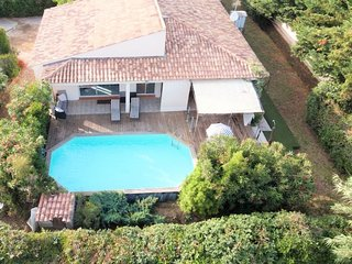 Spacious villa with private pool, just 2 km from the famous Pampelonne beaches