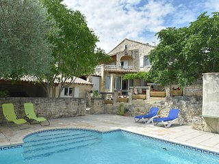 Luxury Mas with two guest houses and private pool with stunning views