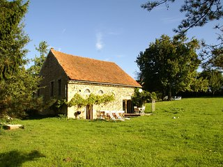 Tastefully quiet cottage in the Morvan, in Saint-Germain-des-Champs