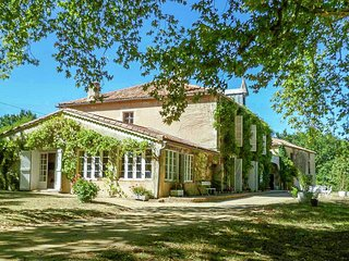 Cosy and charming cottage on a large nature estate ideal for couples!
