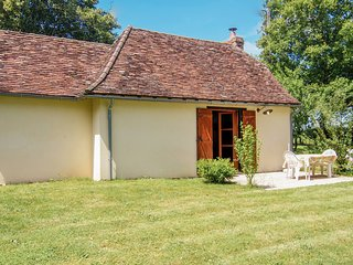 Charming Cottage in Savignac-Ledrier near Lake