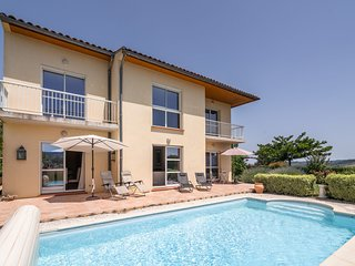 Spacious villa with private swimming pool and fully enclosed garden offering lot